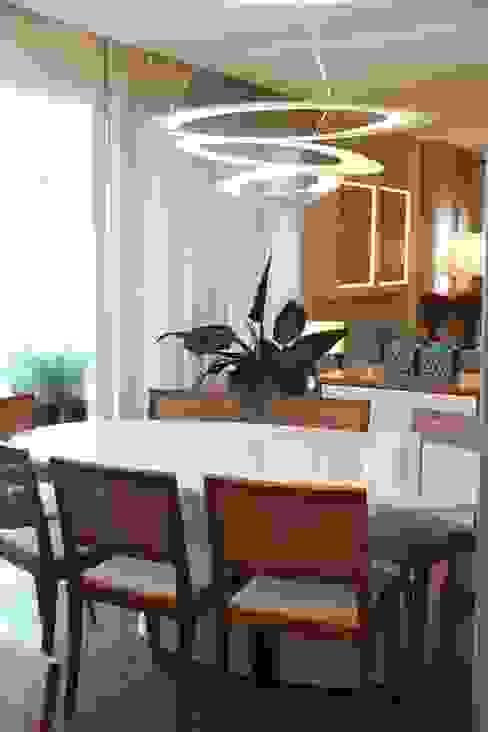 Salle à manger moderne par MeyerCortez arquitetura & design Moderne