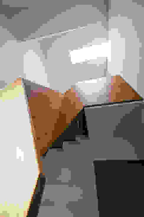 Villa Gries Moderner Flur, Diele & Treppenhaus von noa* - network of architecture Modern