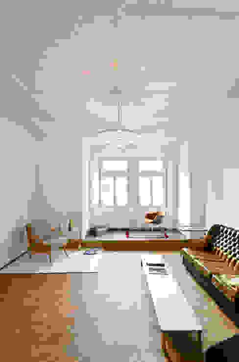 Salon de style  par Studio DLF, Moderne
