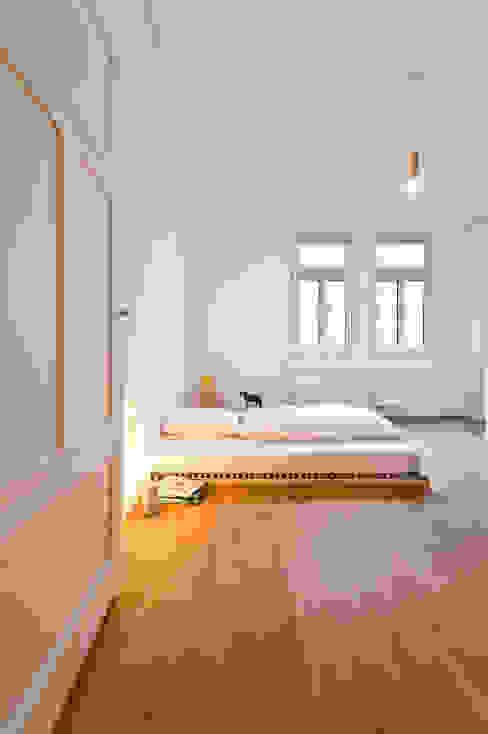 Dormitorios de estilo moderno de Studio DLF Moderno