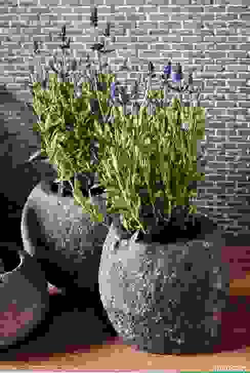 Umywalki kamienne i akcesoria River Stone: styl , w kategorii  zaprojektowany przez Industone.pl,Skandynawski