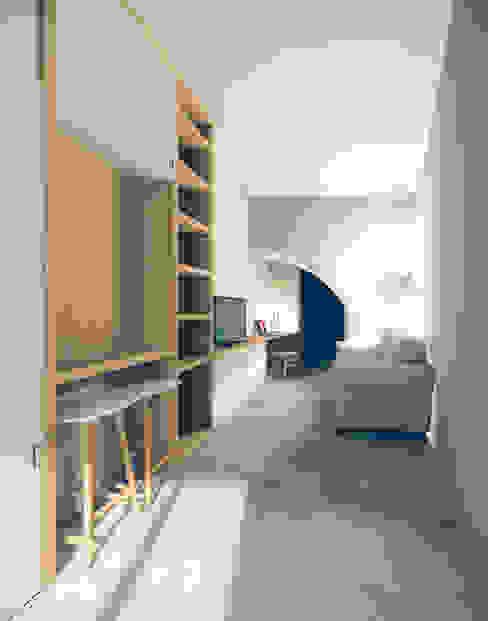Recuperação em Évora: Salas de estar  por Tapada arquitectos,