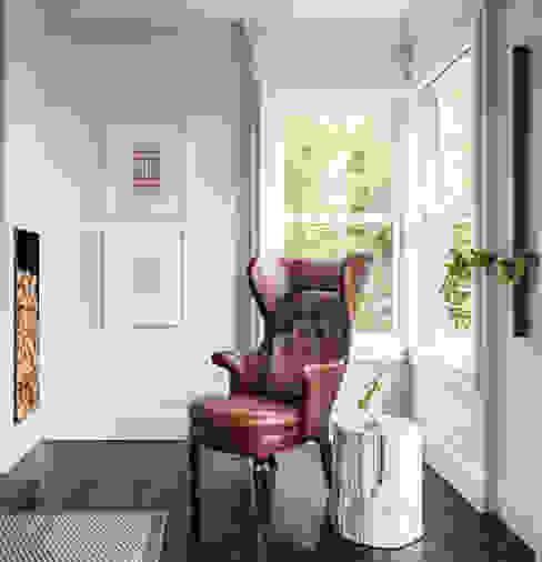Livings modernos: Ideas, imágenes y decoración de Antonio Martins Interior Design Inc Moderno