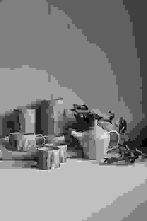 od kobo syuro Nowoczesny Ceramika
