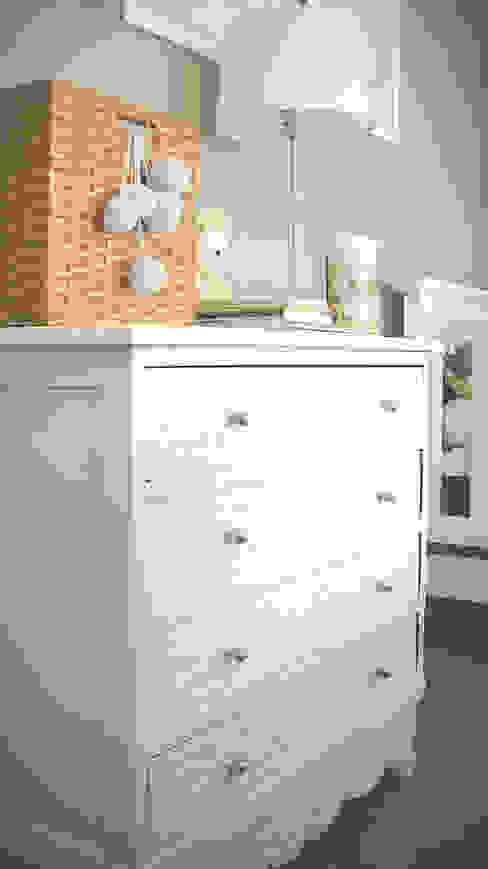 DECORACION - Cuarto para bebé Dormitorios infantiles clásicos de PLATZ Clásico Madera Acabado en madera