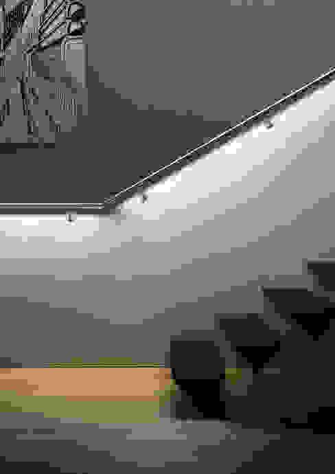 IAM Design LED Railing: Best Product 2015 di IAM Design Minimalista