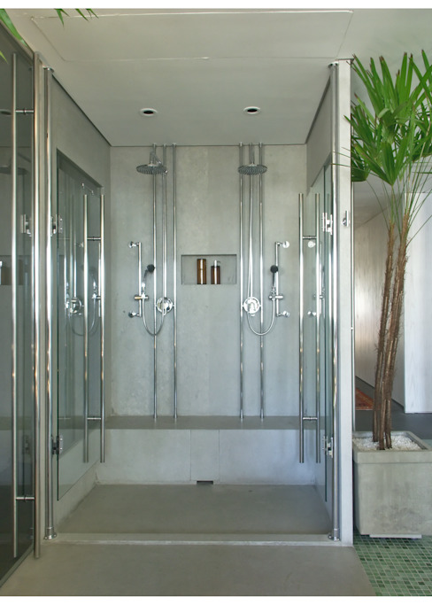 Modern bathroom by Elisabete Primati Arquitetura Modern
