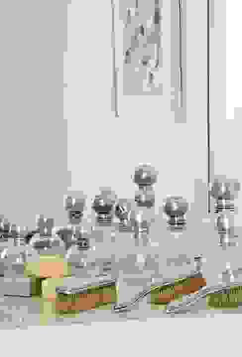 CASA EN SAN ISIDRO Livings modernos: Ideas, imágenes y decoración de Arq. PAULA de ELIA & Asociados Moderno