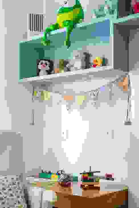 Minimalistyczny pokój dziecięcy od Hana Lerner Arquitetura Minimalistyczny