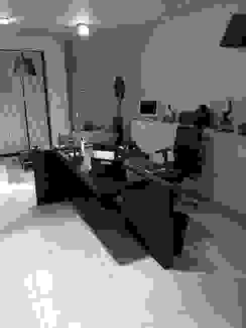Accueil Banitti Bureau moderne par LUSIARTE Moderne