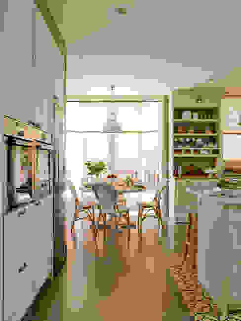 Office afrancesado Cocinas de estilo clásico de DEULONDER arquitectura domestica Clásico