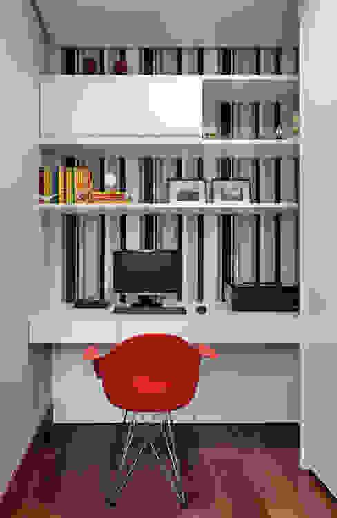 Apartamento .CB Escritórios modernos por Amis Arquitetura e Decoração Moderno