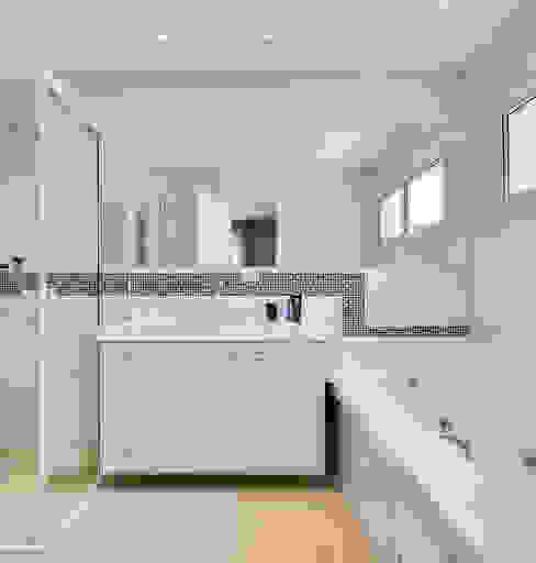 Baños de estilo  por Angelica Pecego Arquitetura, Moderno