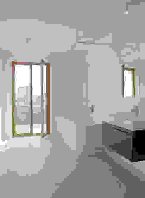Um- und Ausbau eines Wohngebäudes von 1892, Basel Moderne Badezimmer von Forsberg Architekten AG Modern