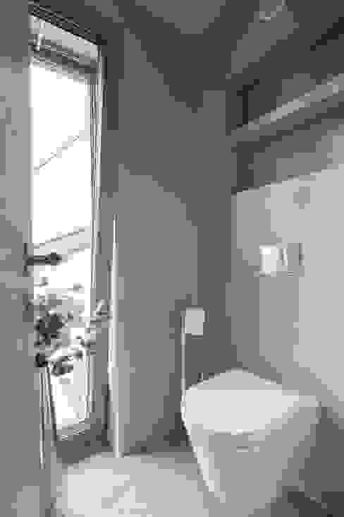 Projekty,  Łazienka zaprojektowane przez BESPOKE GmbH // Interior Design & Production, Nowoczesny