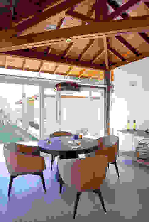Living room by Samy & Ricky Arquitetura, Modern