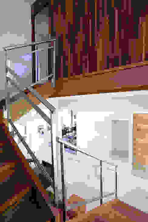 by Samy & Ricky Arquitetura Modern