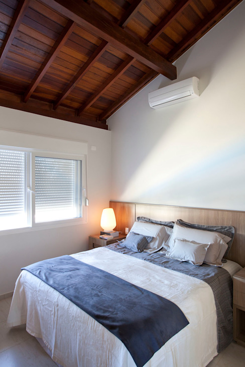 Modern style bedroom by Samy & Ricky Arquitetura Modern