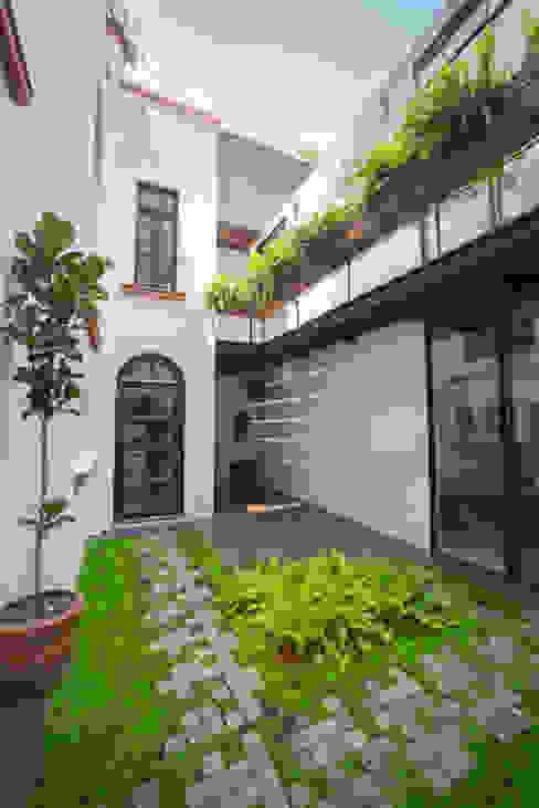 CASA EN HIPÓDROMO CONDESA: Terrazas de estilo  por TW/A Architectural Group, Moderno