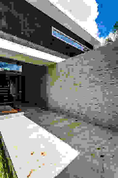 Moderne gangen, hallen & trappenhuizen van P11 ARQUITECTOS Modern