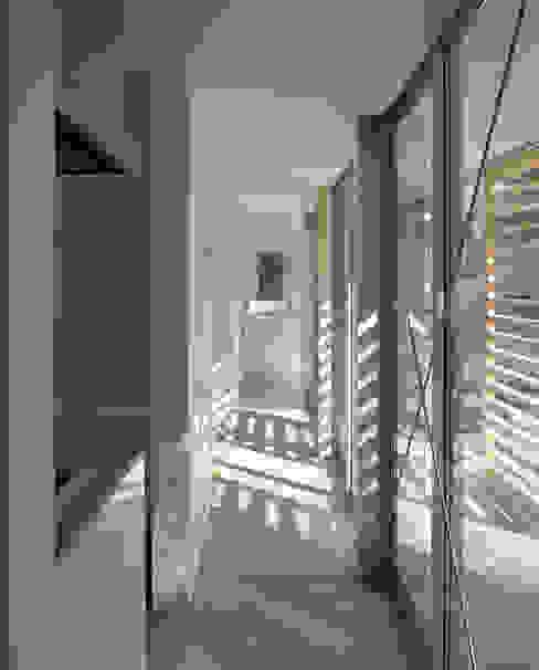 Moderne ramen & deuren van 一級建築士事務所ヒマラヤ(久野啓太郎) Modern
