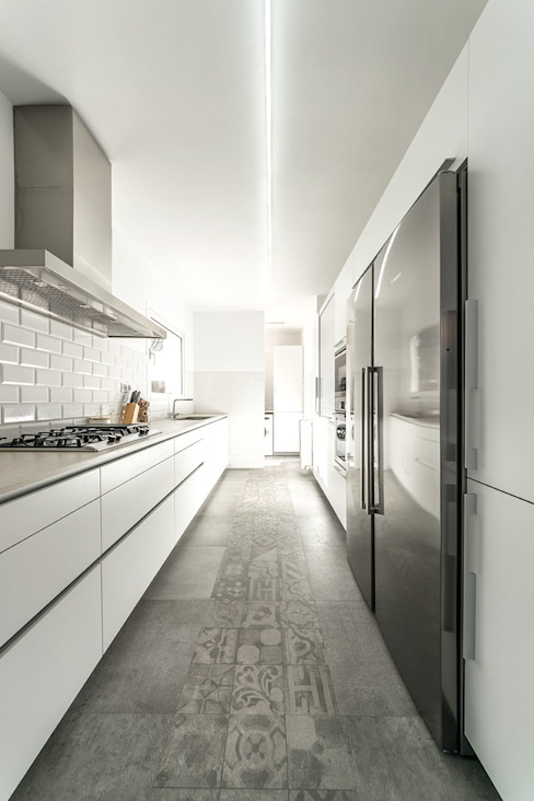 Modern kitchen by 08023 Architects Modern