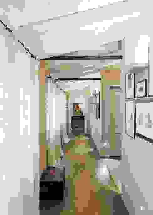 Quartos clássicos por Studio Maggiore Architettura Clássico