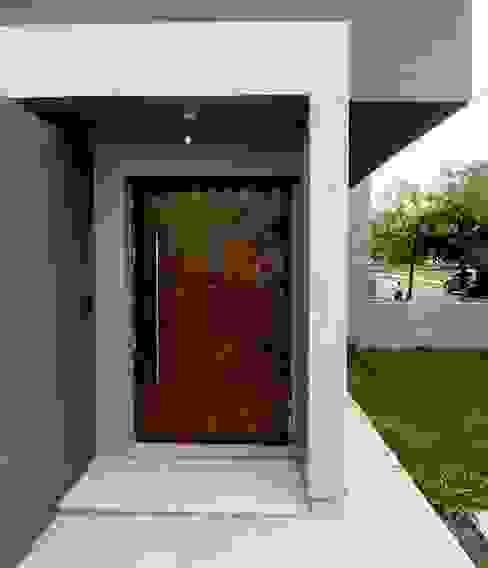 Vivienda DLB - Tejas 2 (proyecto y obra) Casas modernas: Ideas, imágenes y decoración de ANDA arquitectos Moderno
