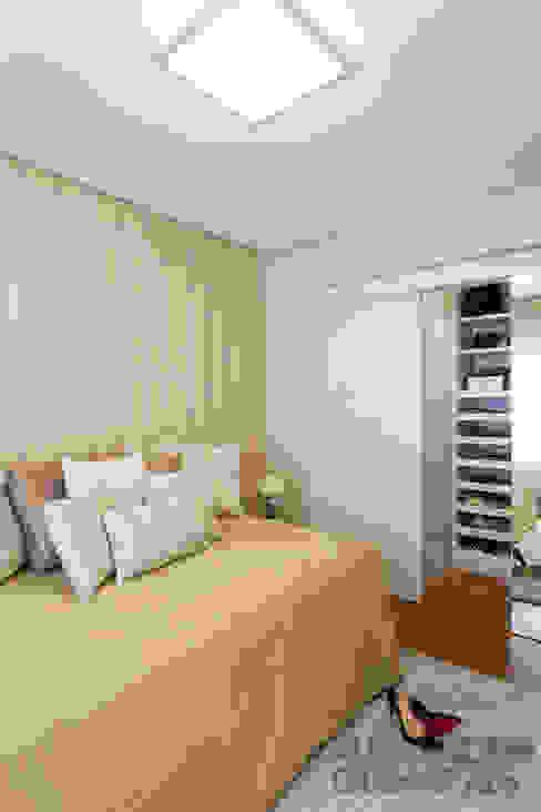 Спальная комната  в . Автор – Martins Valente Arquitetura e Interiores,