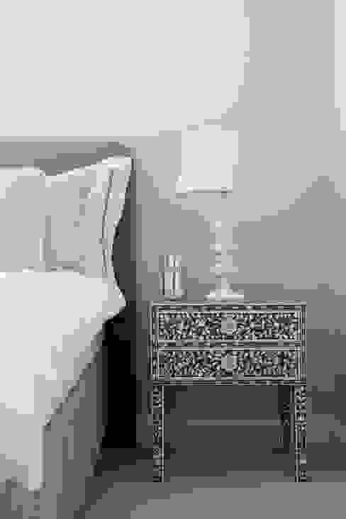 Toninho Noronha Arquitetura Modern style bedroom