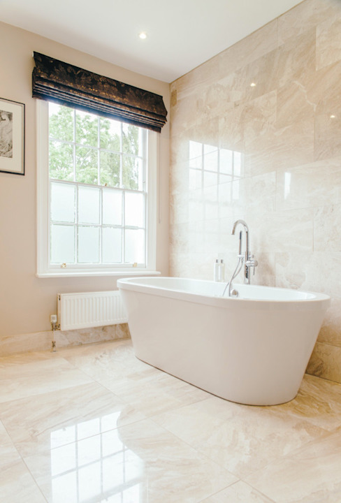 Bathroom by Sara Slade Interiors, Classic Marble