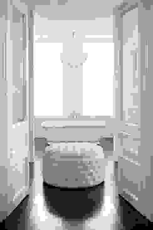 Bathroom Ben Whistler Bespoke Furniture, London BathroomSeating Wood White