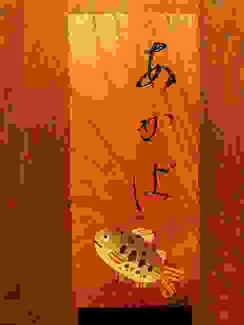 表札: 二輪草家具が手掛けた折衷的なです。,オリジナル