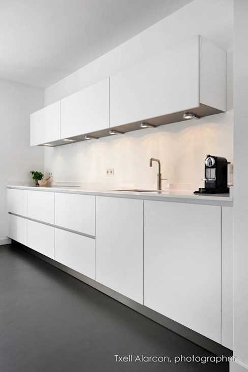 Kitchen by Txell Alarcon,