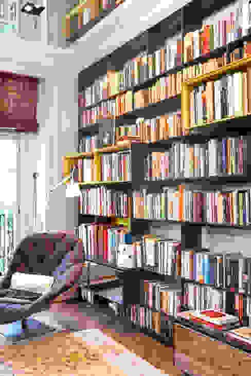 View of study Bureau moderne par Studio 29 Architects ltd Moderne