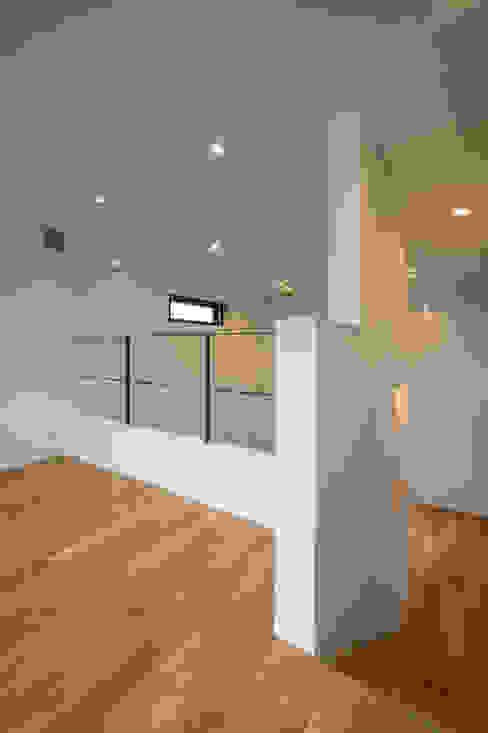 Chigusa Atelier-house モダンデザインの 多目的室 の Sakurayama-Architect-Design モダン