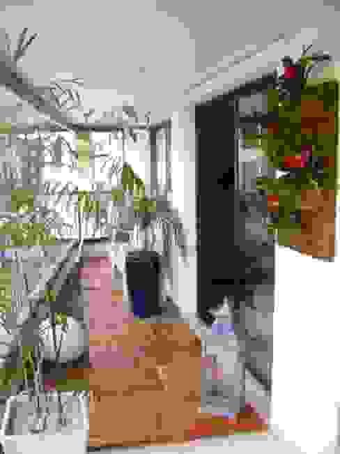 PAISAGISMO: VARANDAS BY MC3 Varandas, alpendres e terraços modernos por MC3 Arquitetura . Paisagismo . Interiores Moderno