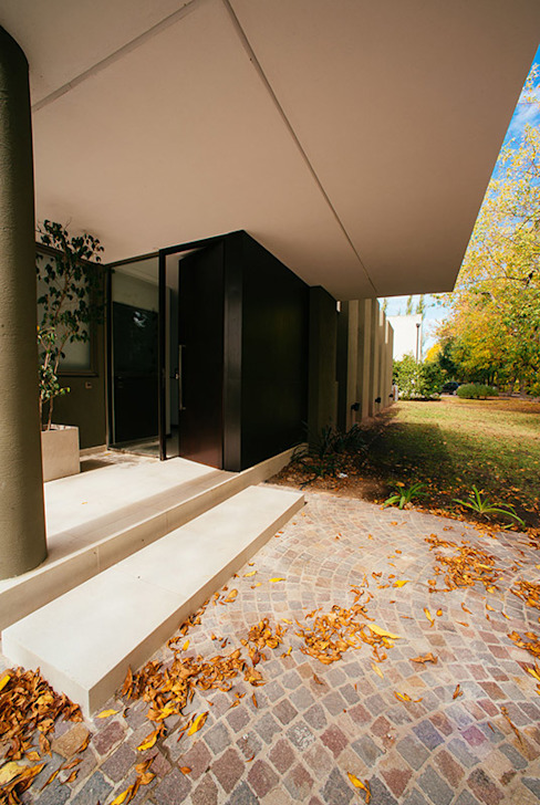 mercedes klappenbach Casas modernas Bege