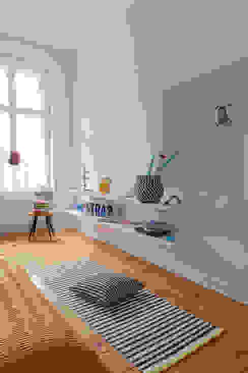 BEDROOM Moderne Schlafzimmer von VINTAGENCY Modern