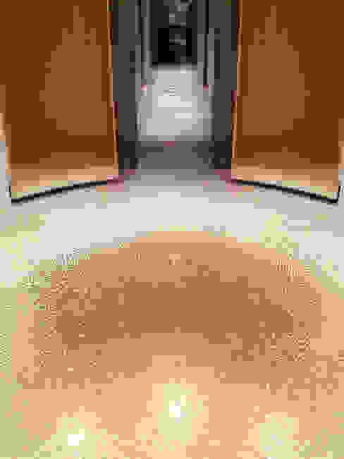 Dressing room من Mosaico3M حداثي