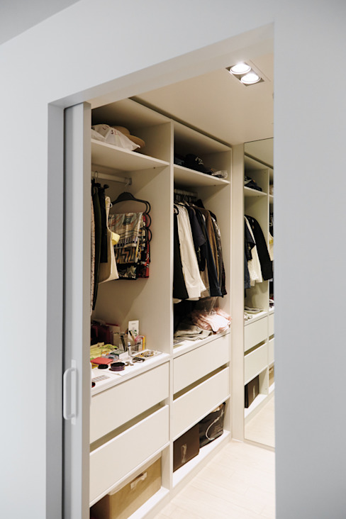 Dressing room by 샐러드보울 디자인 스튜디오,