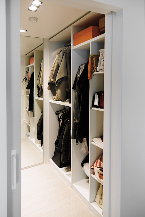 Scandinavian style dressing room by 샐러드보울 디자인 스튜디오 Scandinavian