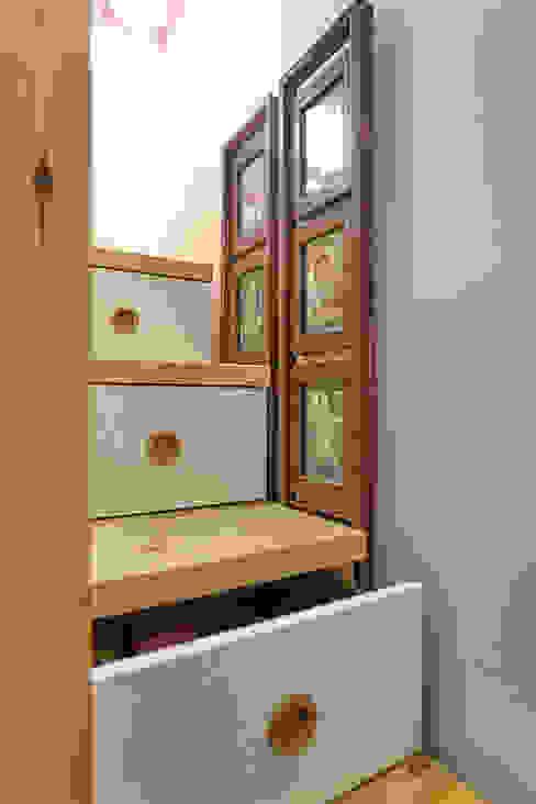 이층침대 계단: 제이앤예림design의  복도 & 현관