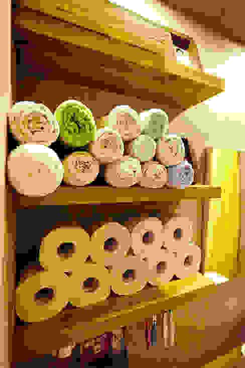 주욕실 수납선반: 제이앤예림design의  욕실