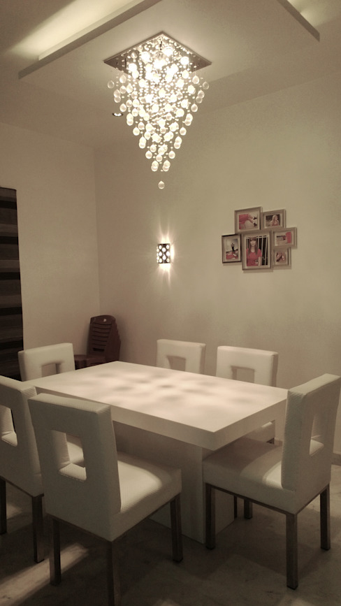 RESIDENTIAL INTERIOR, MYSORE. (www.depanache.in) Modern dining room by De Panache - Interior Architects Modern Plywood