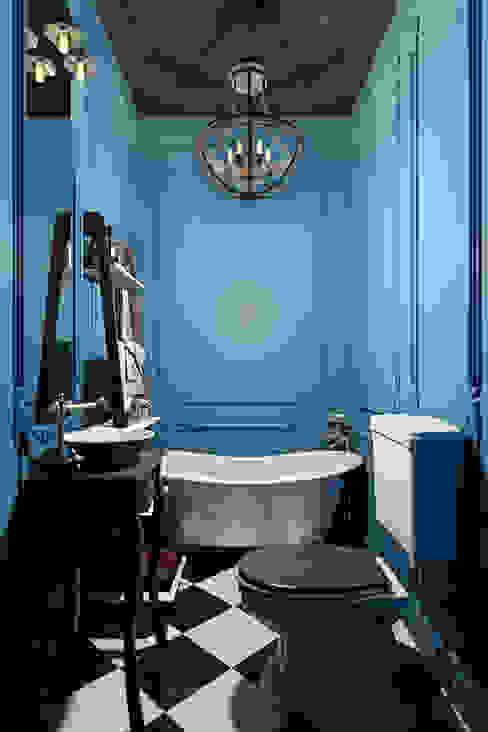Интерьер квартиры 40 кв.м. в Мурманске: Ванные комнаты в . Автор – Студия дизайна интерьера Маши Марченко, Классический