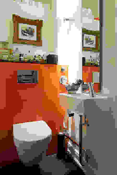 Guest bathroom من homify حداثي