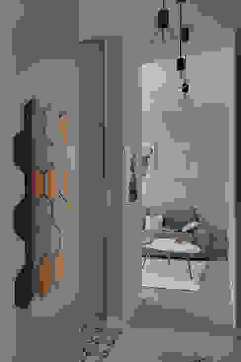斯堪的納維亞風格的走廊,走廊和樓梯 根據 Loft Factory 北歐風