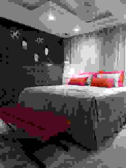 suíte master - vermelho, preto, branco, cinza e bege Modern style bedroom by Mariana Von Kruger Modern