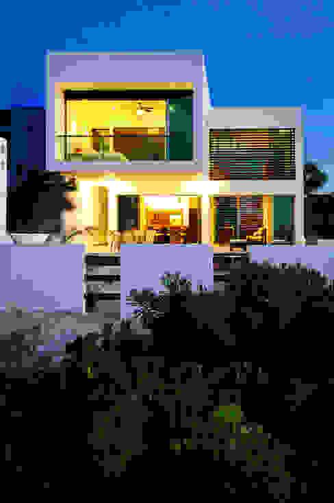 CASA HA-UAY: Casas de estilo  por LIZZIE VALENCIA arquitectura & diseño, Moderno